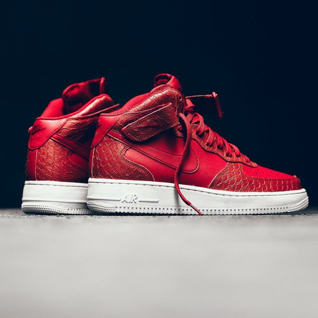 nike air force 1 red middle part