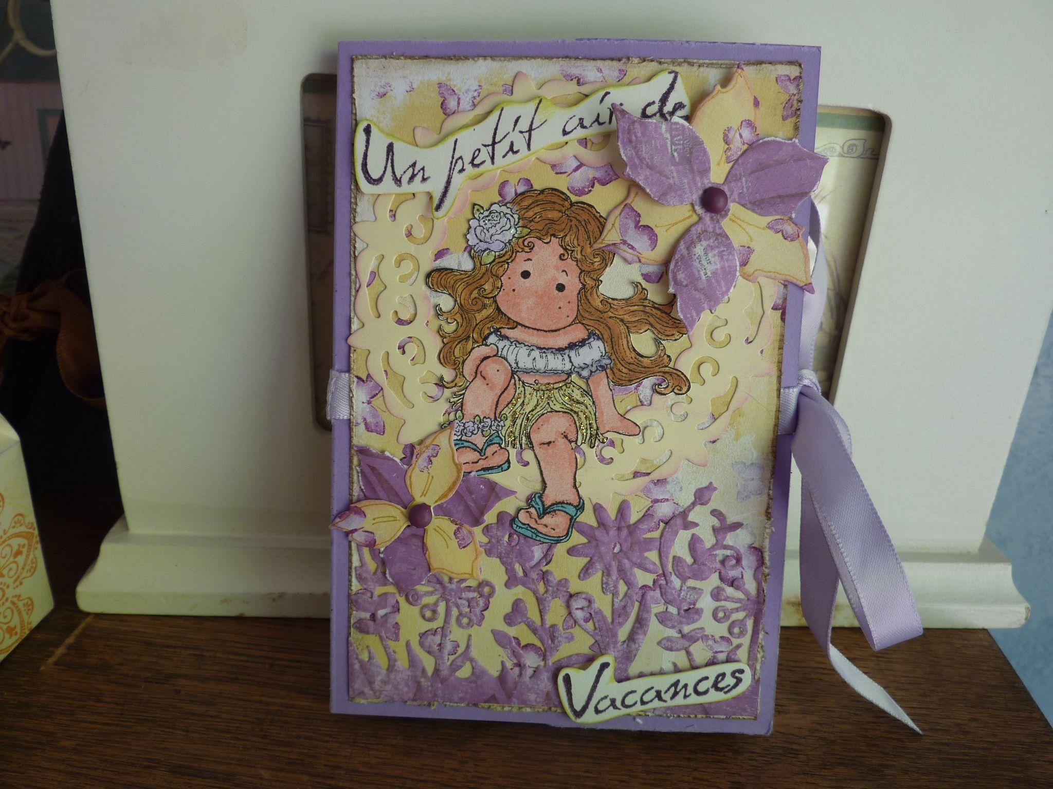 carte violette fermée