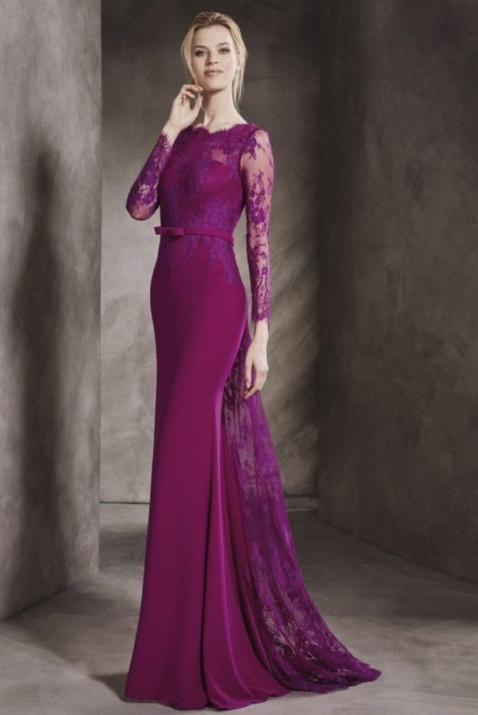Vestido de Madrina largo, encaje y crep con escote ilusion ...