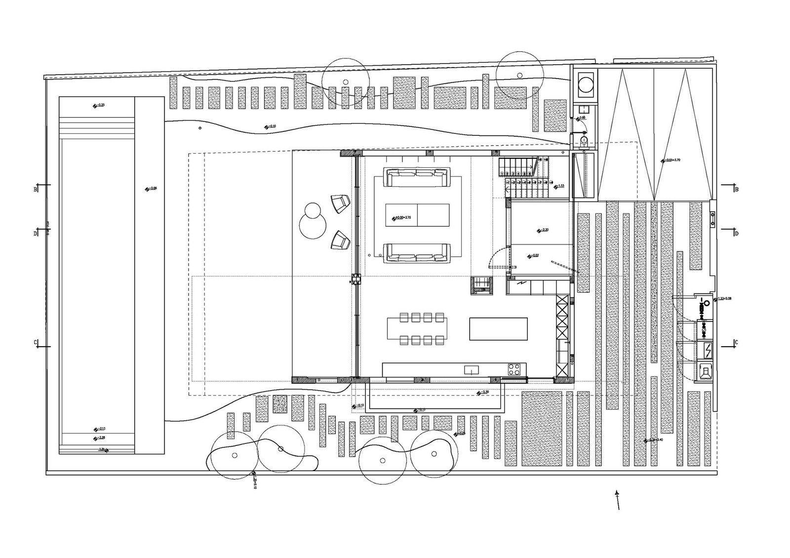 Проектное бюро Pitsou Kedem Architects представило особняк на берегу Средиземного моря в Шавей-Цион, Израиль. Резиденция площадью 280 квадратных метров выполнена в современном стиле, а в её дизайне нашла отражение игра яркого солнца, синего моря и длинной линии бескрайнего горизонта. Западные тен...