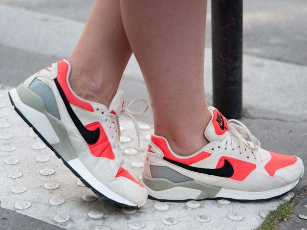 Die Fashion-Formel für diese Sneaker? Bequemlichkeit + stylisher Look = absolutes Lieblingsstück! Hier: Turnschuhe zum Nachkaufen.Schuhe,