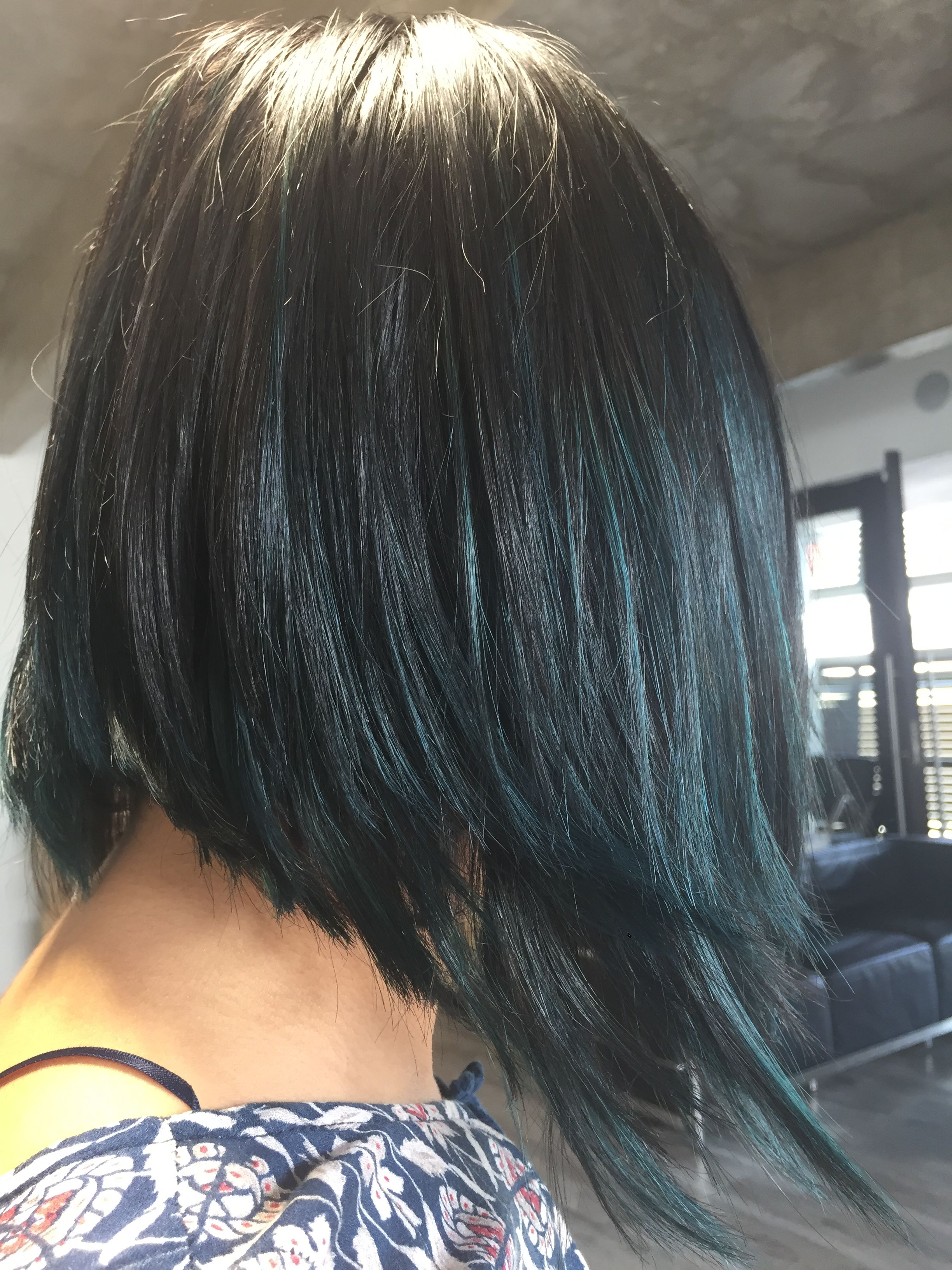 Sutil azul fantasía en base natural