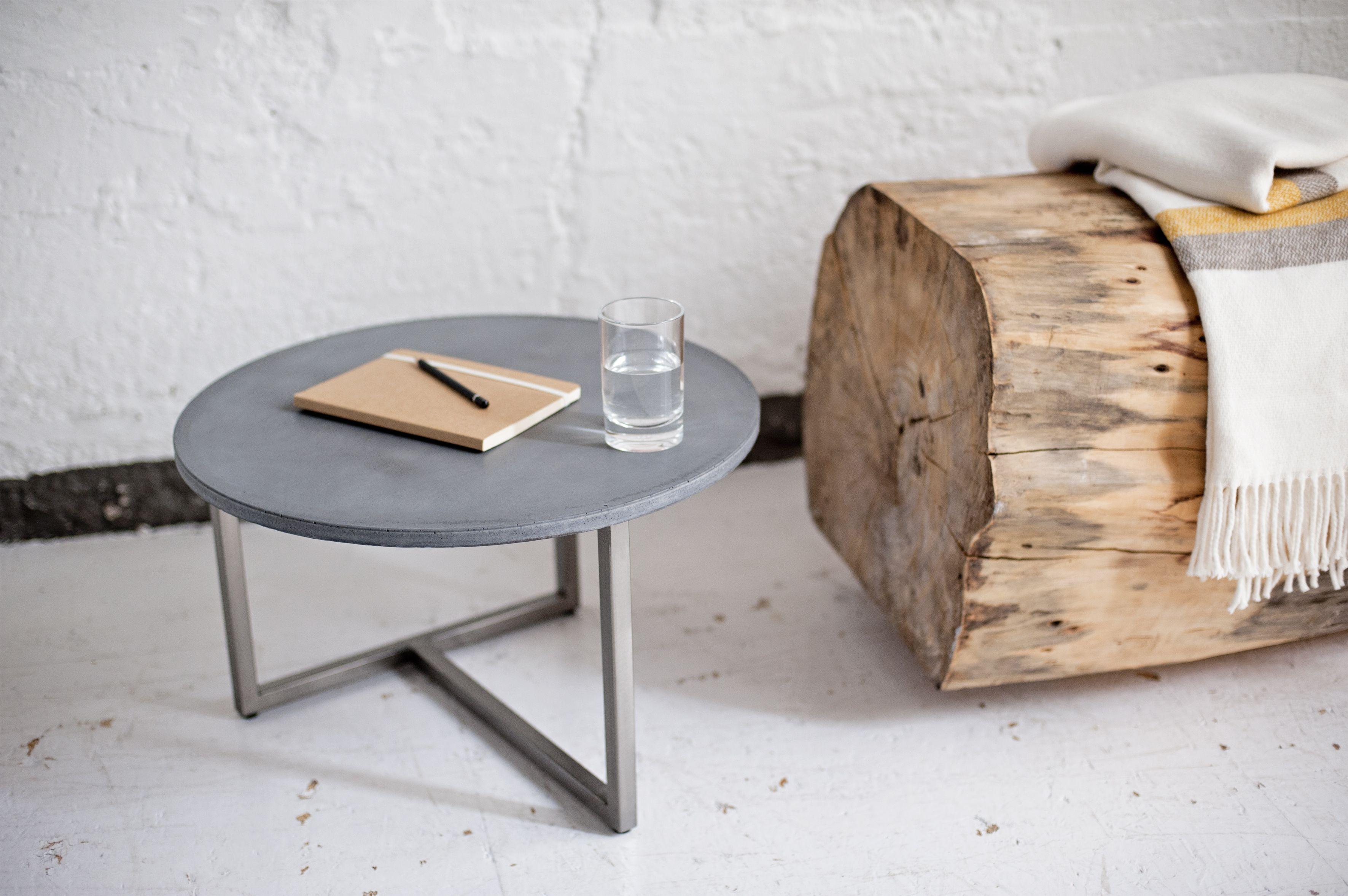 Fabulous WOW Handgefertigter runder Couchtisch aus Beton und Stahl Dieses Betonm bel ist ein echter Eyecatcher