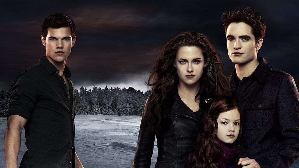 Twilight Is Returning Which Characters Do You Hope To See Again Twilight Breaking Dawn Twilight Book Twilight Saga