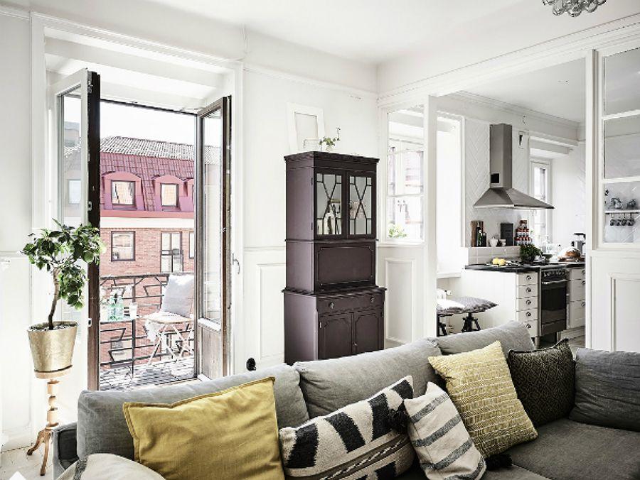 Salón estilo nórdico con balcones / comedor estilo nórdico / el ...