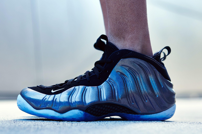 fc52538847641 Nike Air Foamposite One Hologram On-Foot Look