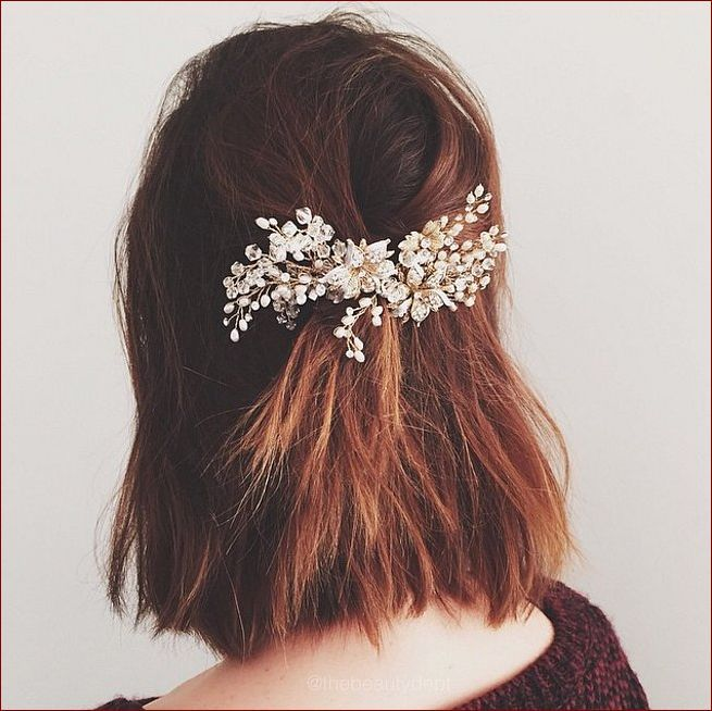 Pretty holiday hairstyles for New Year 2016 (pretty, holiday, hairstyles, year, party hairstyles, always popular, hair accessories, holiday hairstyles)