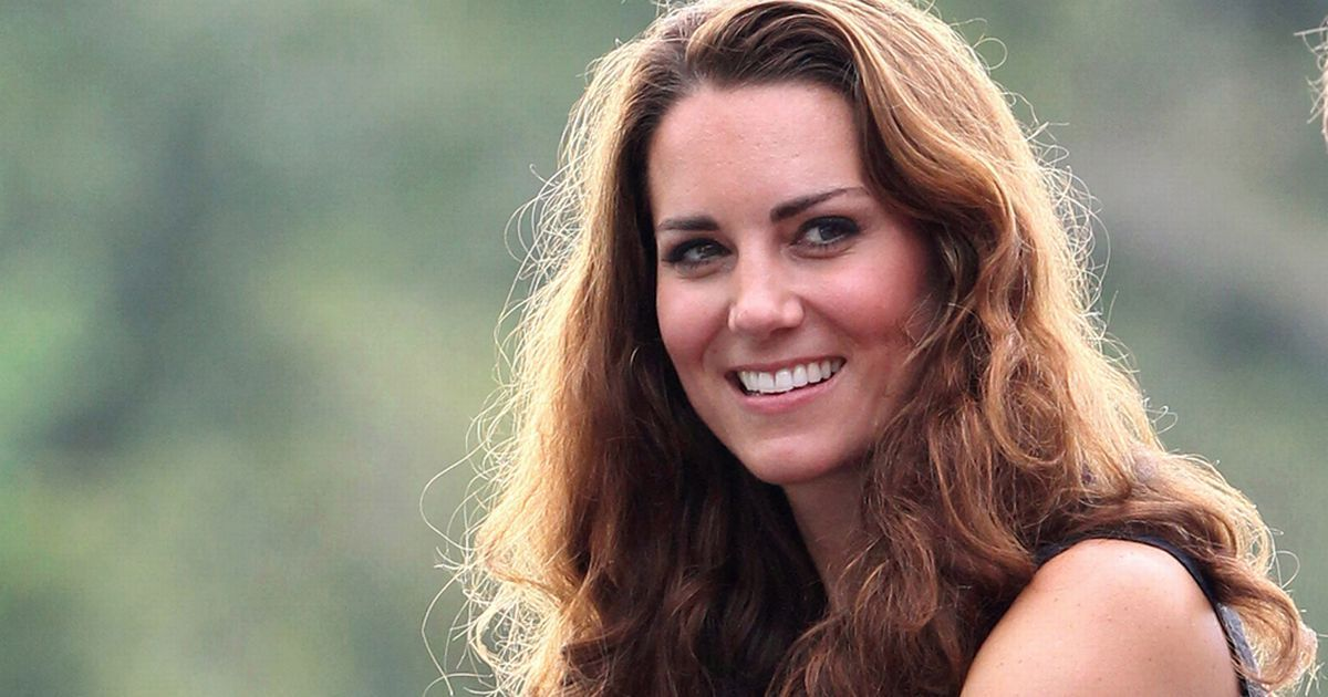 From anti-frizz hair products to heat-proof make-up, here's what our beauty team think the Duchess should pack to look her best on her trip to India