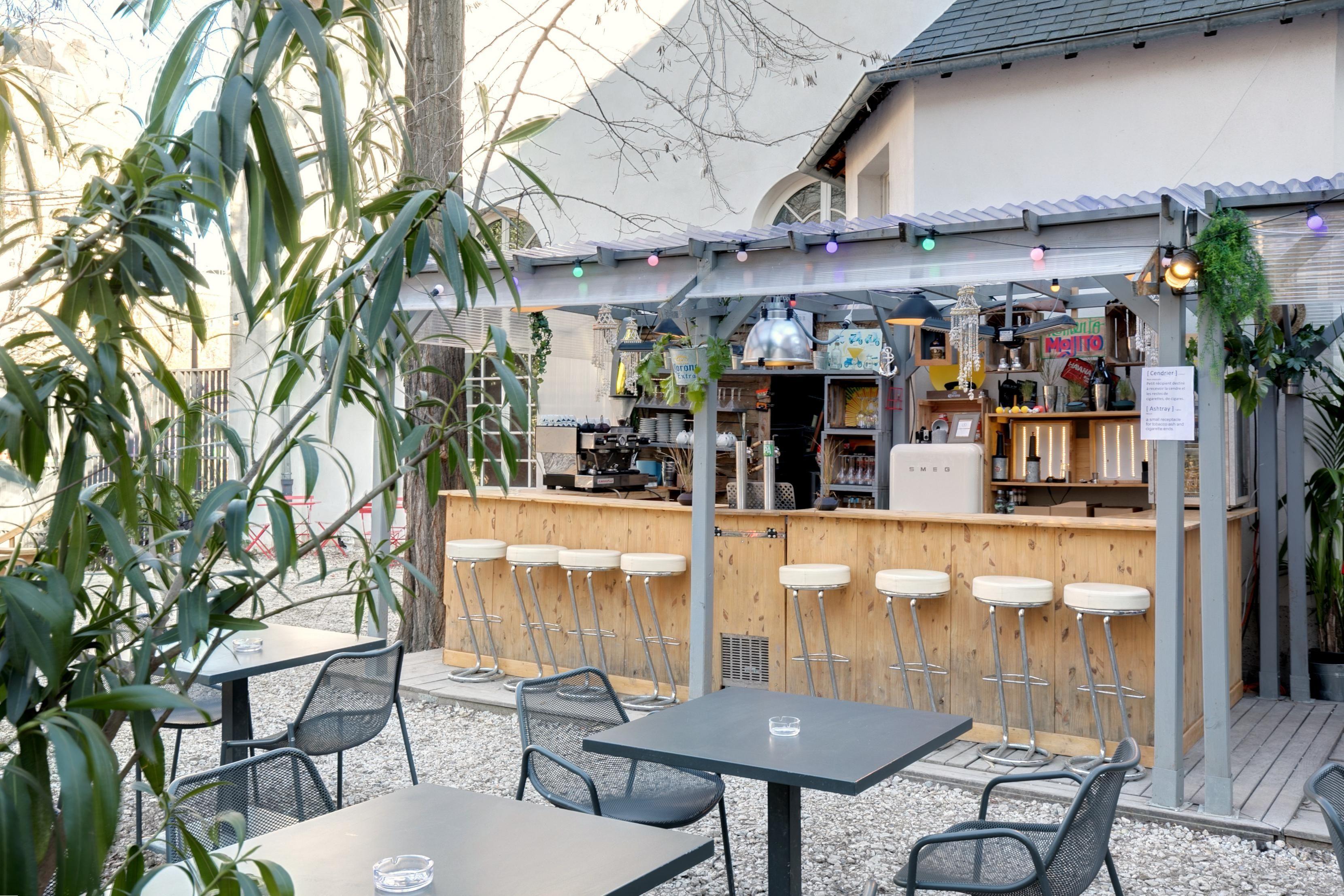 Terrasse Canal Saint Martin terrasse paris café a bar-terrasse pergola gare de l'est