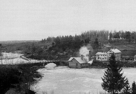 Dahlforsin viilatehdas Vantaankoskella 1890-luvun loppupuolella.