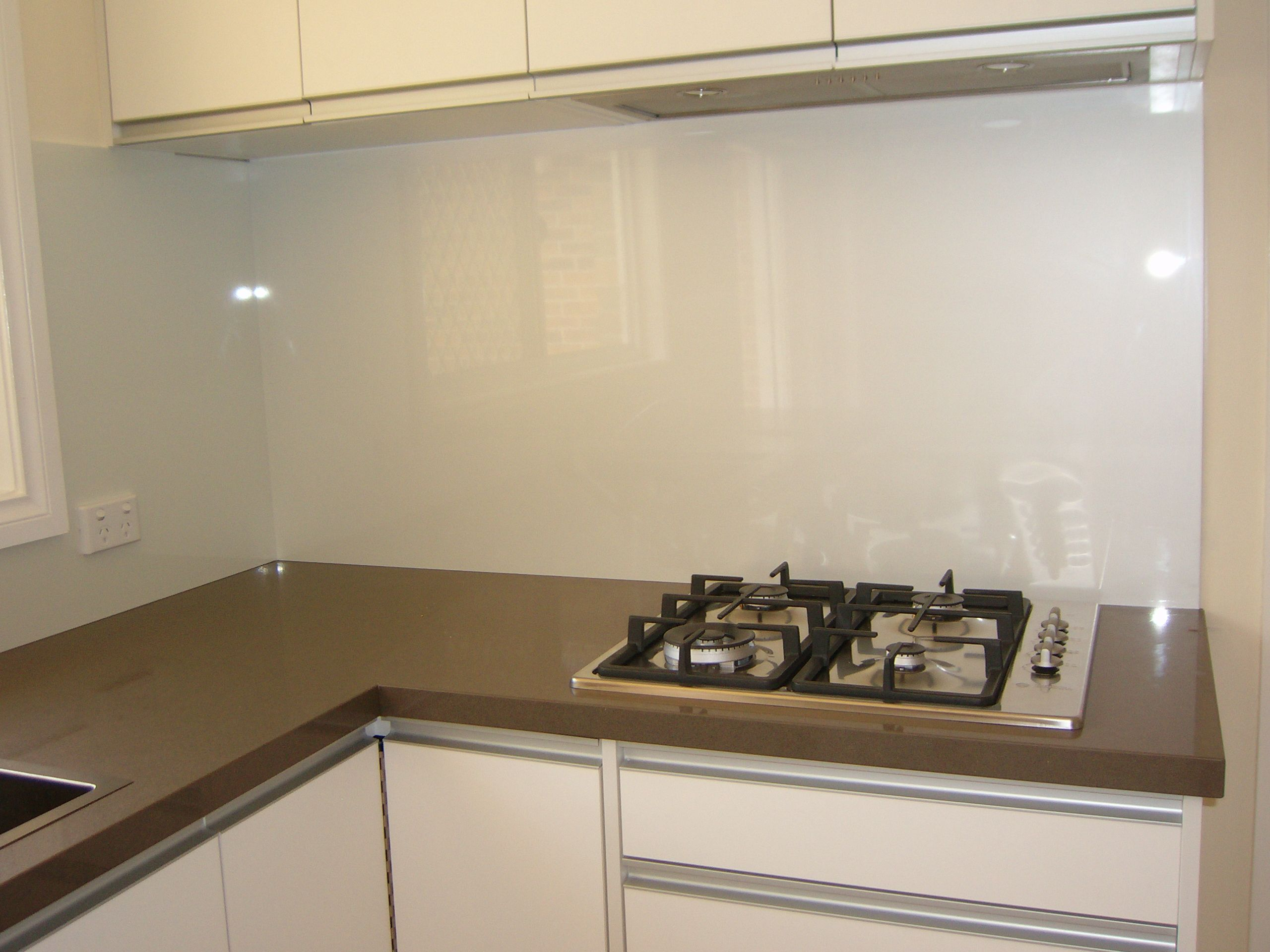 "This is a Metaline splashback in ""REGAL CRˆME"" The flexibility of"