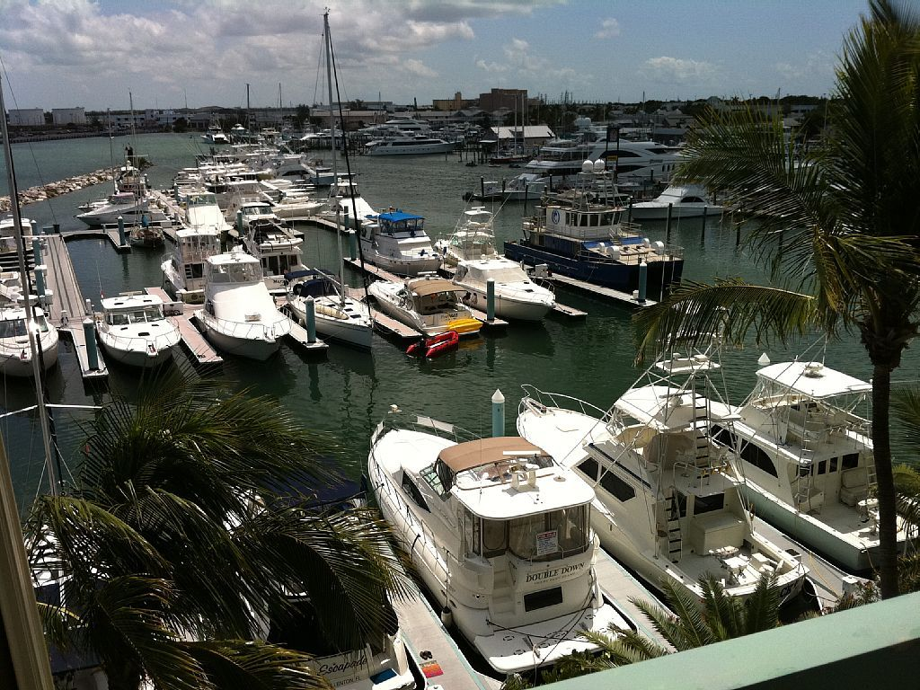 Lock Out Unit At The Galleon Resort Best Resort Location In Kw Historic Seaport Historic Seaport Vacation Books Best Resorts