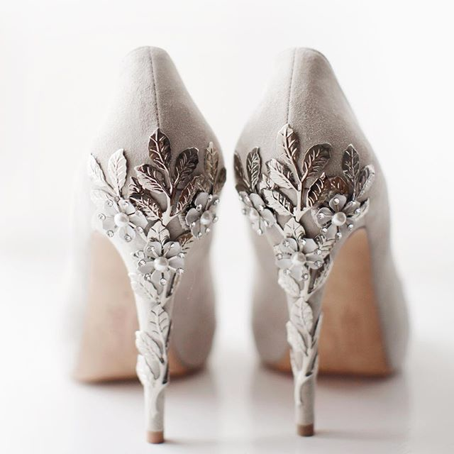 Gorgeous @harrietwildeshoes from a beautiful sparkly grey inspired wedding ✨  #Regram via @rachrose