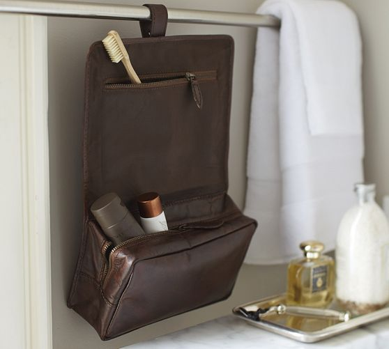 4a885d5372ee Saddle Leather Hanging Toiletry Case