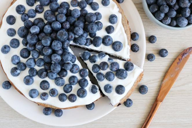 Bananenbrood+taart+met+blauwe+bessen