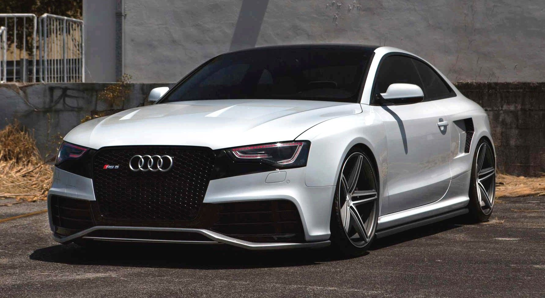 angry audi rs5 on vossen wheels wheelporn wheels tuning. Black Bedroom Furniture Sets. Home Design Ideas
