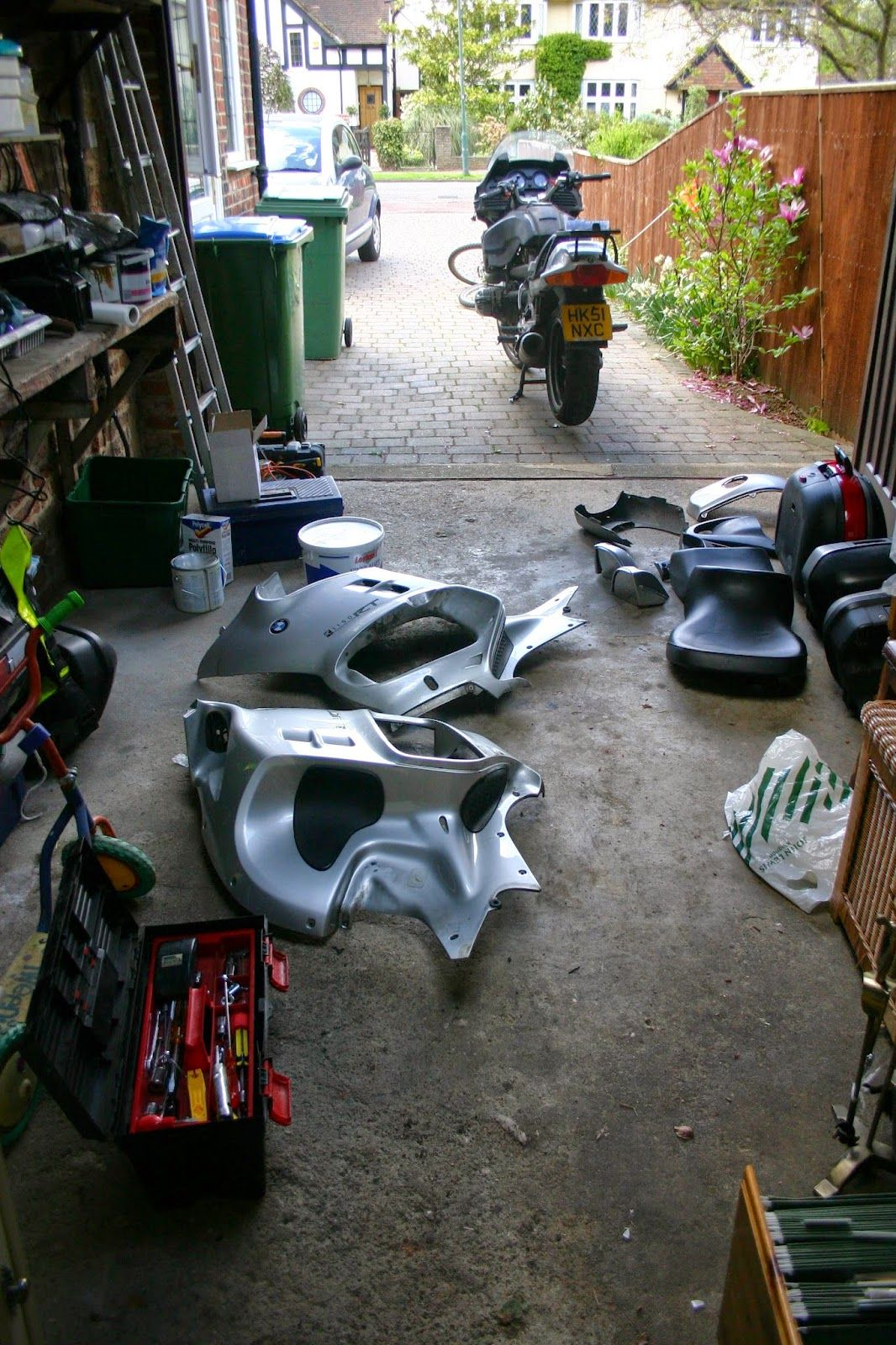 hight resolution of bmw r1150rt undressed