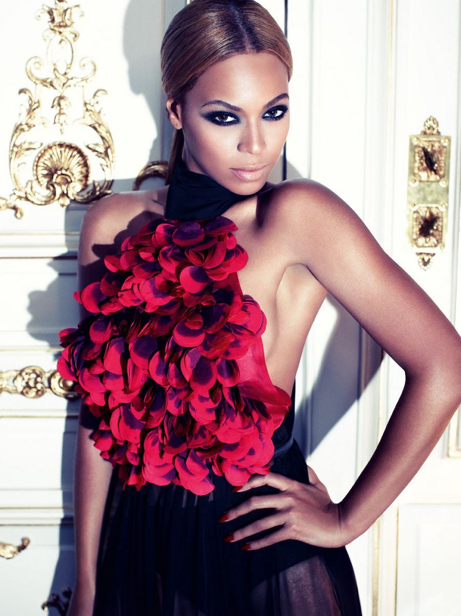 Only Beyonce could have flowers growing out of her chest ...