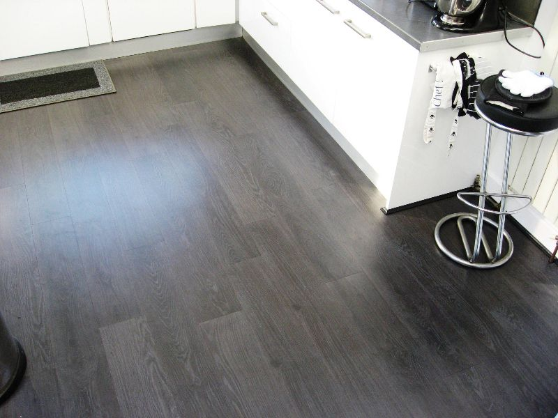 laminate kitchen flooring dark laminate flooring kitchen the kitchen fitted with - Laminate Flooring In A Kitchen