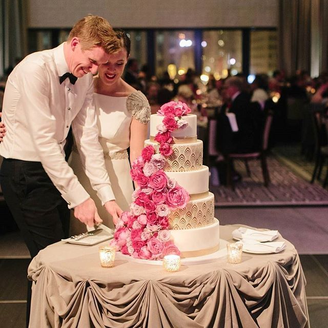 Time to cut the cake...our favorite! | Photography: @ClaryPfeiffer | Florist: @FleurInc | Planner: @EsteraEvents | Venue: @LanghamChicago | #ElysiaRootCakes