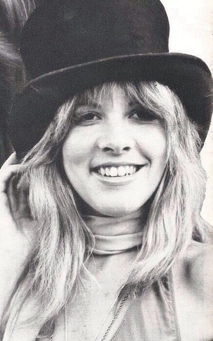 Stevie Nicks She Said Got This Iconic Tophat In Buffalo
