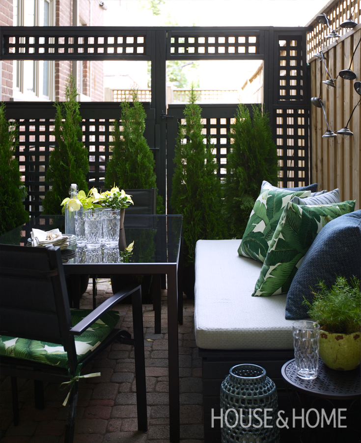 DIY Small Patio Makeover On A Budget In 2019