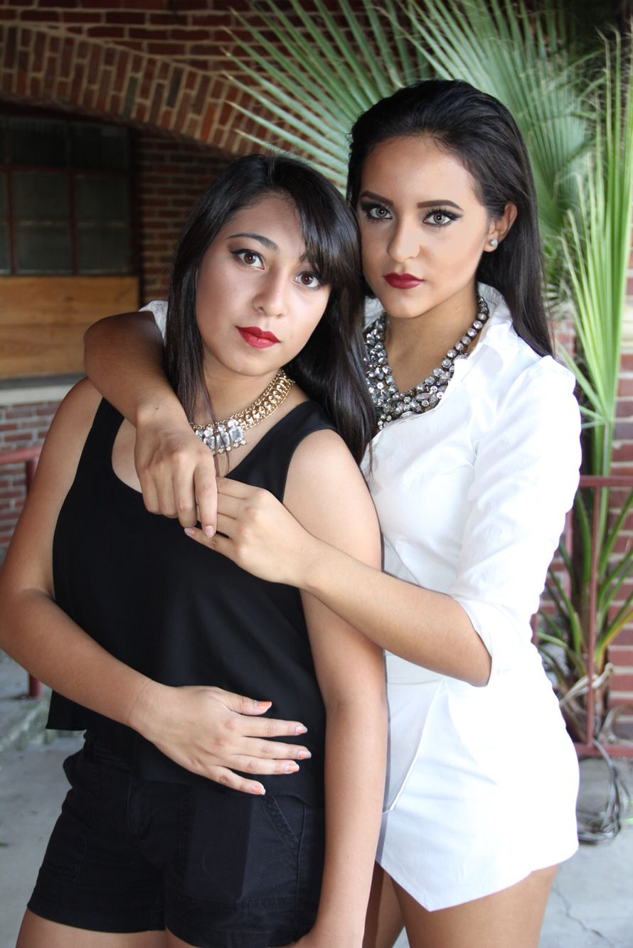 Best Friend Photoshoot Black And White Red Lipstick Senior Pictures