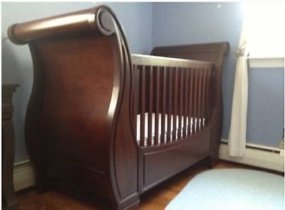 Pottery Barn Larkin Sleigh Crib Pottery Barn Larkin Cribs Pottery Barn