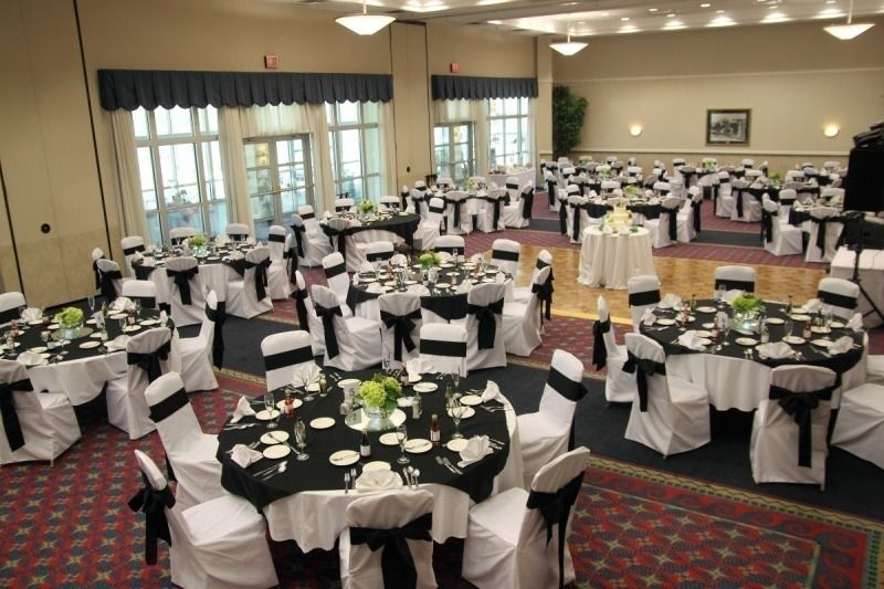 Rochester Wedding Magazine Presents Ramada Geneva Lakefront In Rochester New York Wedding Reception Venues Table Decorations Table Settings