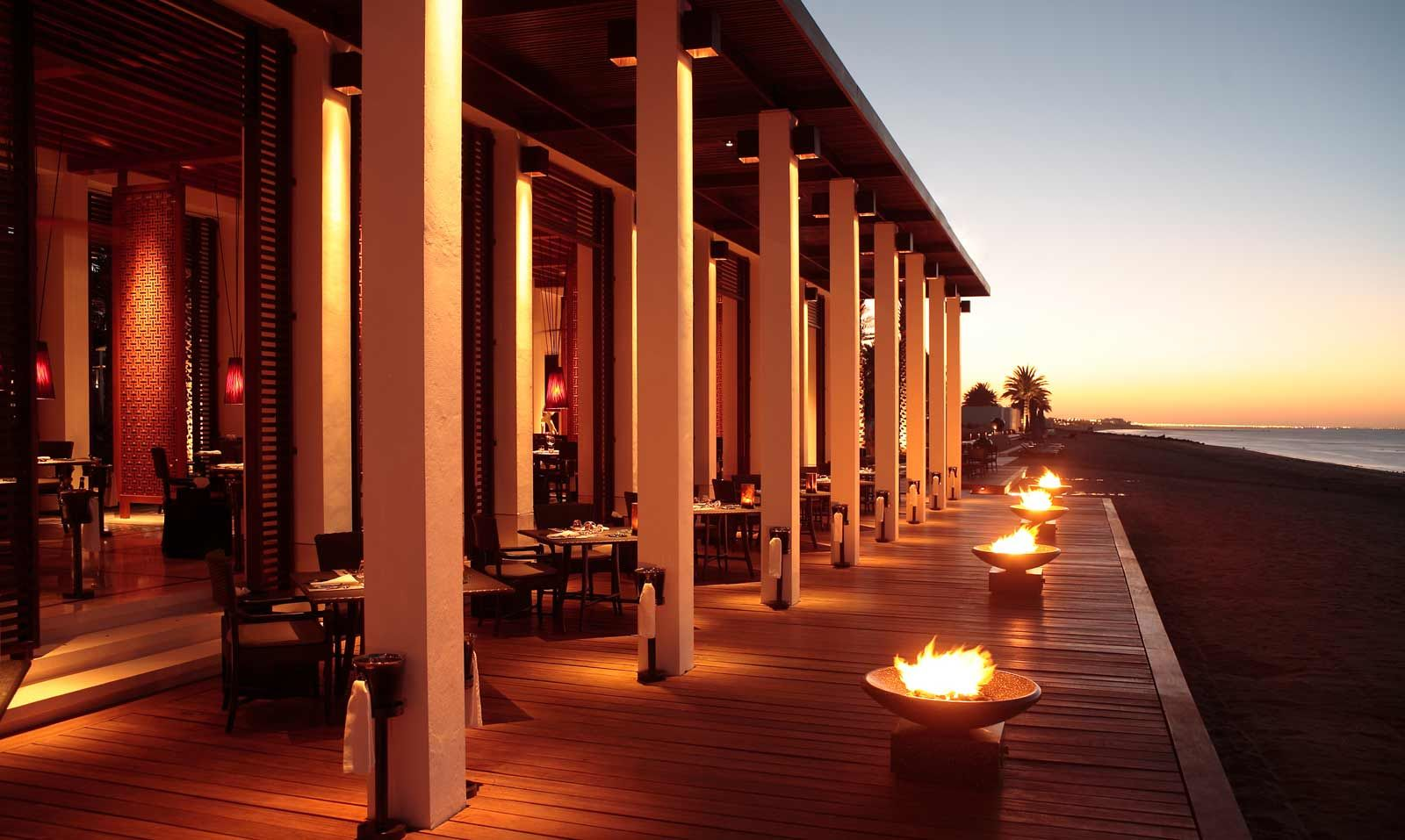 Romance in style at the chedi muscat luxury hotel oman for Hotel luxury oman