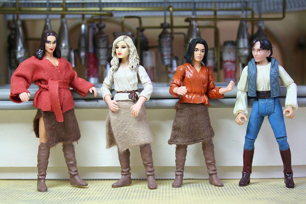 Custom Mos Eisley Ladies | Star Wars dioramas | Star wars