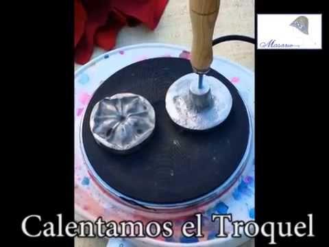 Como hacer flores con Troquel MASARIO - https://www.youtube.com/watch?v=t7zuDbBDnj4
