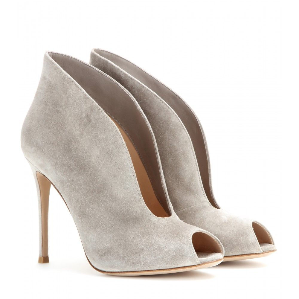 Gianvito Rossi - Vamp suede peep-toe ankle boots - Gianvito Rossi's peep-toe