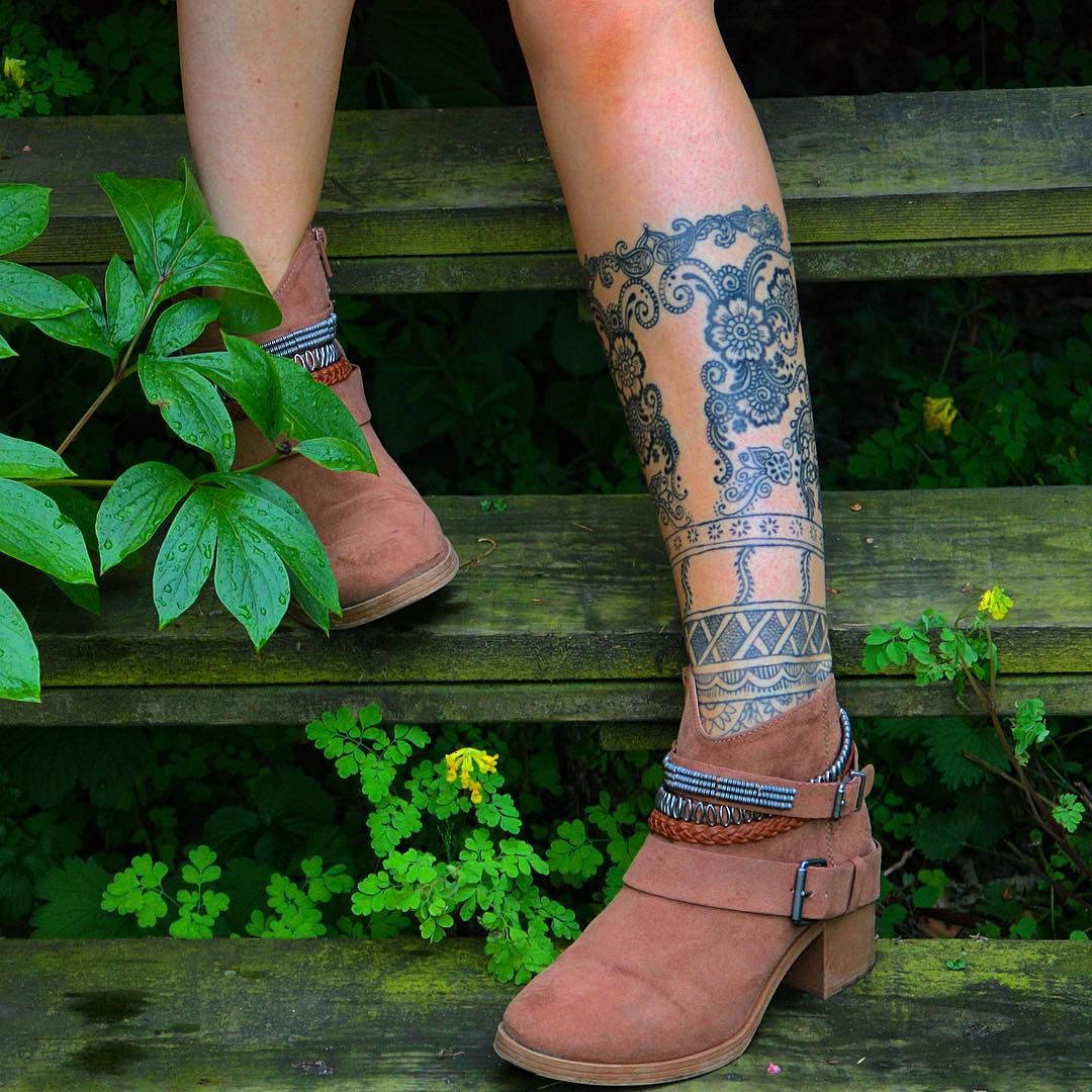 41 Tiny Ankle Tattoos With Big Meanings Pattern Tattoo Boho Tattoos Inner Ankle Tattoos
