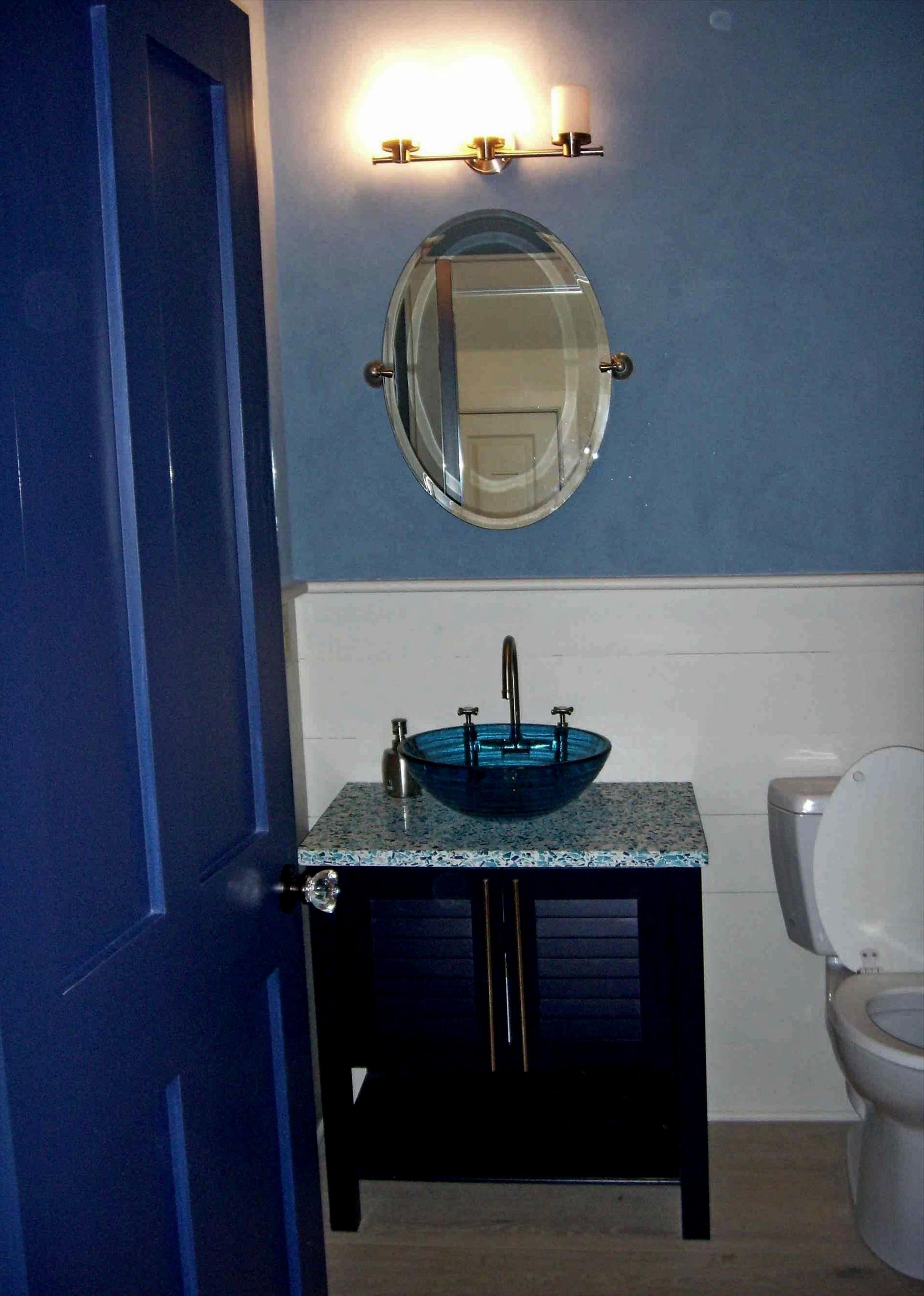 Royal Blue Bathroom Decor 2021 in 2020 | Blue bathroom ...
