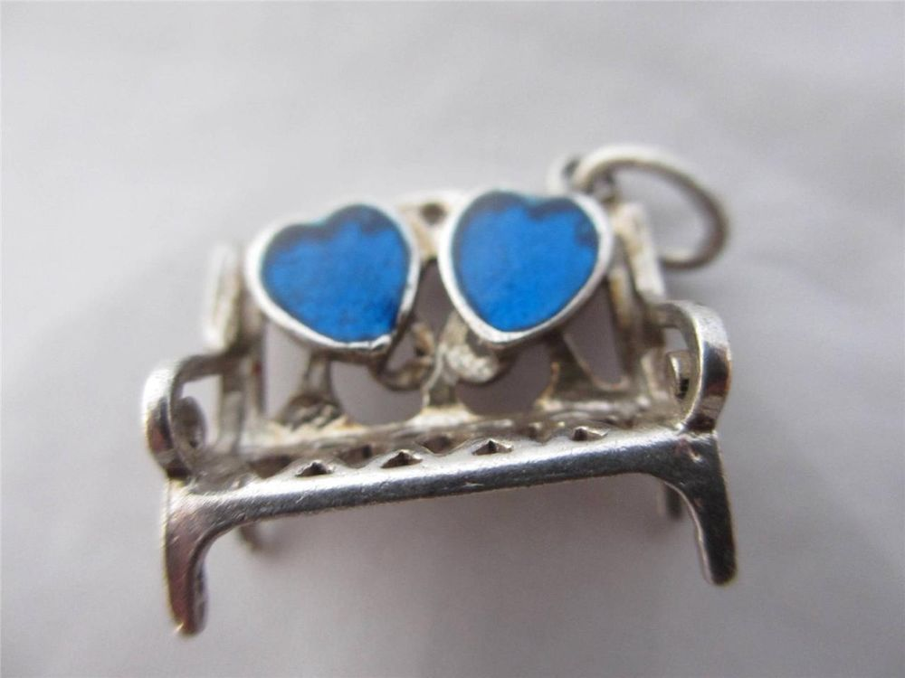 VINTAGE ENGLISH CHARM c1960 STERLING SILVER & ENAMEL DOUBLE HEART LOVERS BENCH