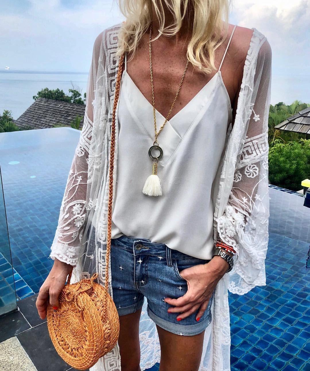 "Anna Skoog on Instagram: ""✨Denim & White✨ @mysteryjaneclothing kimono & shorts @isleandtribe necklace @wayuuworld bag #vacationstyle #boholuxe #phuket"" 1"