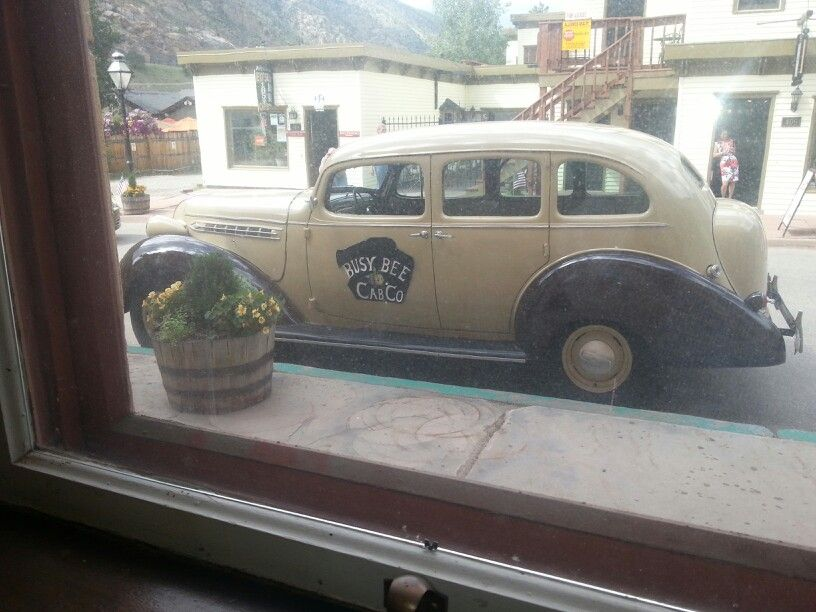 Busy Bee Cab from the John Denver movie \