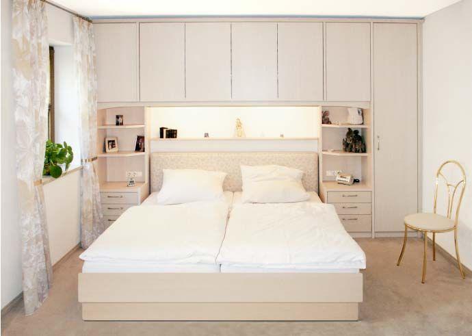 Schlafzimmerschrank mit Bettüberbau Meuble chambre à