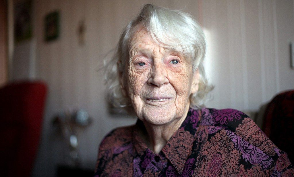 Frail pensioner Grietje Scott has finally told how she became a decorated WW2 hero who was part of an elite fighting force in the Dutch Resistance.