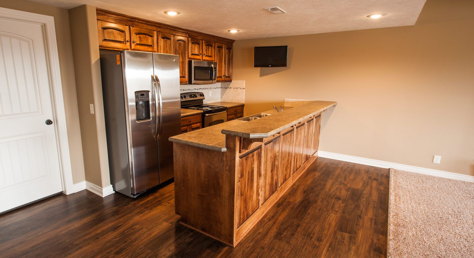 Vencil Homes   Basement Bar   Vinyl Plank Flooring And Plastic Laminate  Countertops By McKeanu0027s