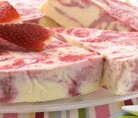 Strawberry And Cream Bliss Cake Another Nestle Sweetened Condensed Milk Recipe Fro Sweetened Condensed Milk Recipes Cookie Recipes Condensed Milk Milk Recipes
