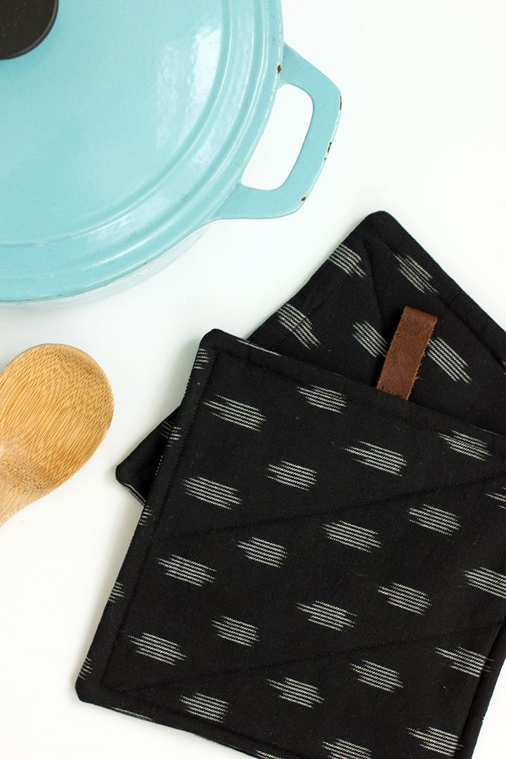 Simple Sewing Project: DIY Ikat Potholder | Sewing . Fabric Dye ...