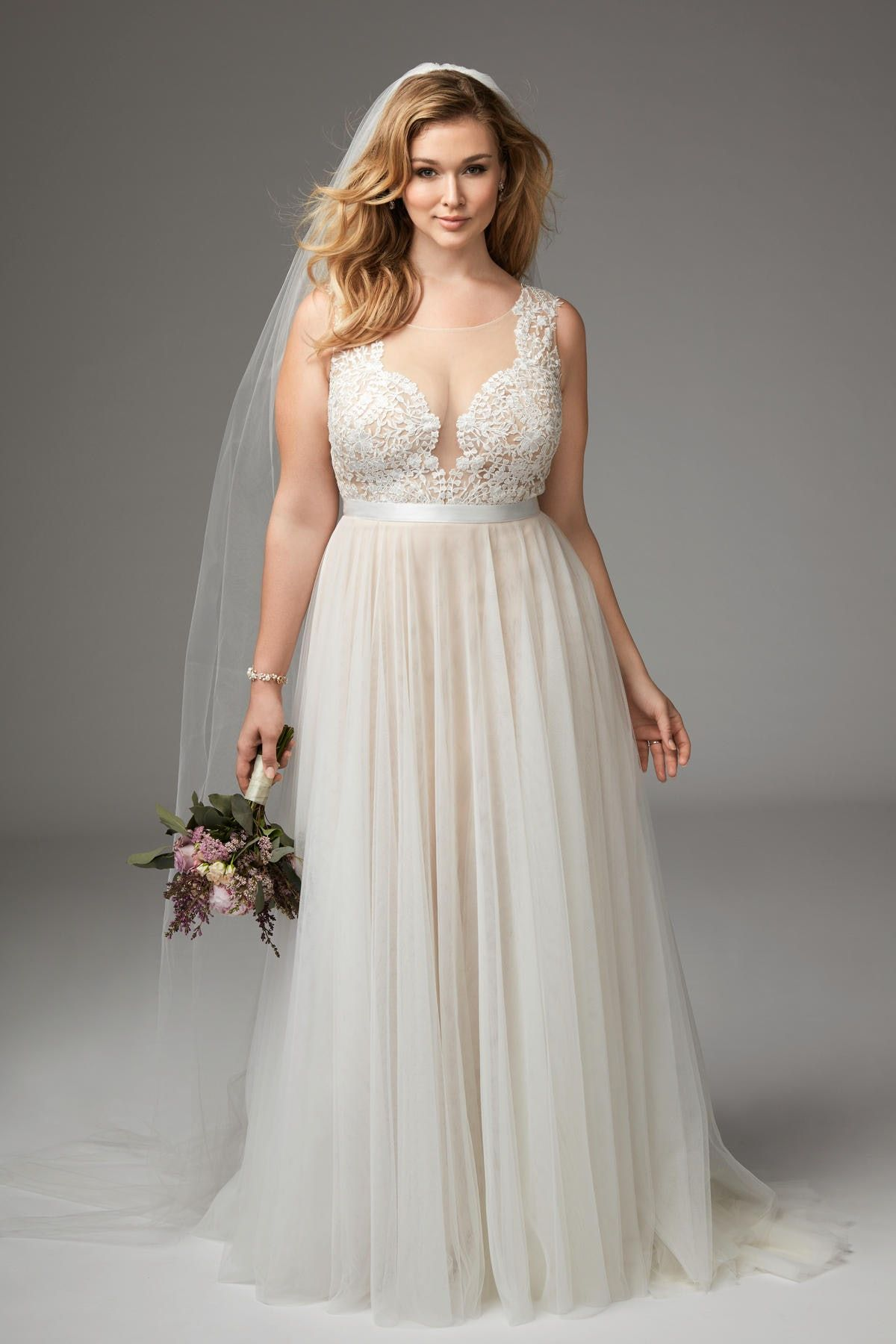 11 Plus Size Wedding Dresses That Are All Unique Absolutely Gorgeous Wedding Dresses Plus Size Plus Size Wedding Gowns Summer Wedding Dress