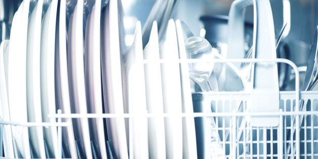 11 Things You Didn T Know You Shouldn T Put In The Dishwasher Miele Dishwasher Dishwasher Rinse Aid Dishwasher Soap