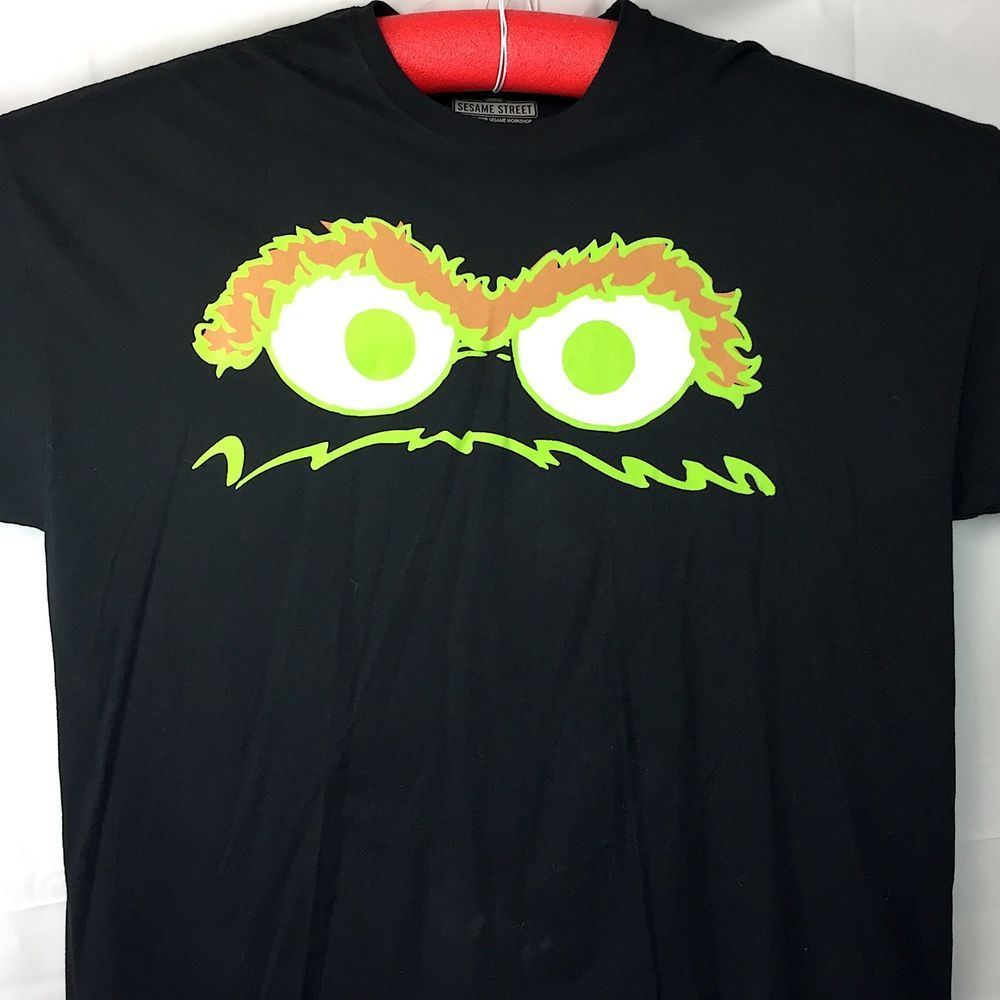 33256d70315 Sesame Street Oscar the Grouch Eyes Adult XXXXXL T-Shirt 5XL Mens Licensed  2009  SesameStreet  GraphicTee
