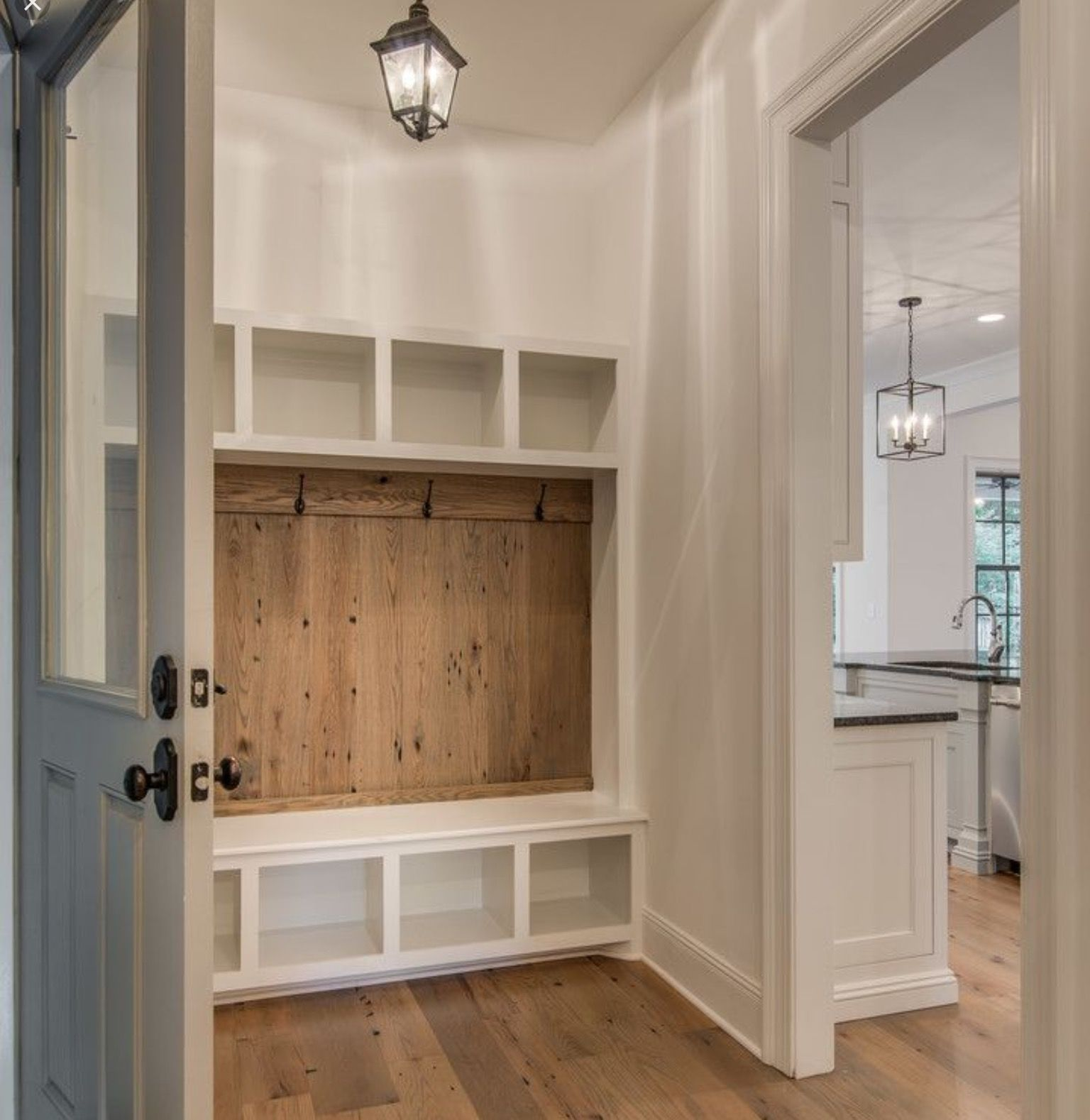 Must Have Farmhouse Kitchen Decor Ideas: Wood Plank Wall At Mud Room