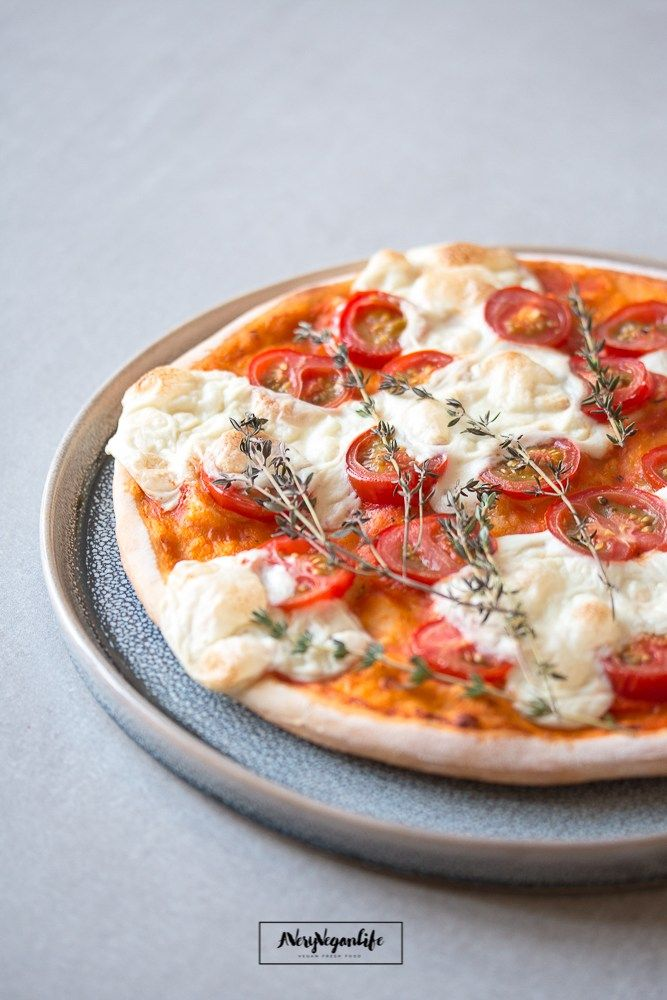 Pizza Mit Cashew Mozzarella Vegane Pizza Veganer Mozzarella Mozzarella