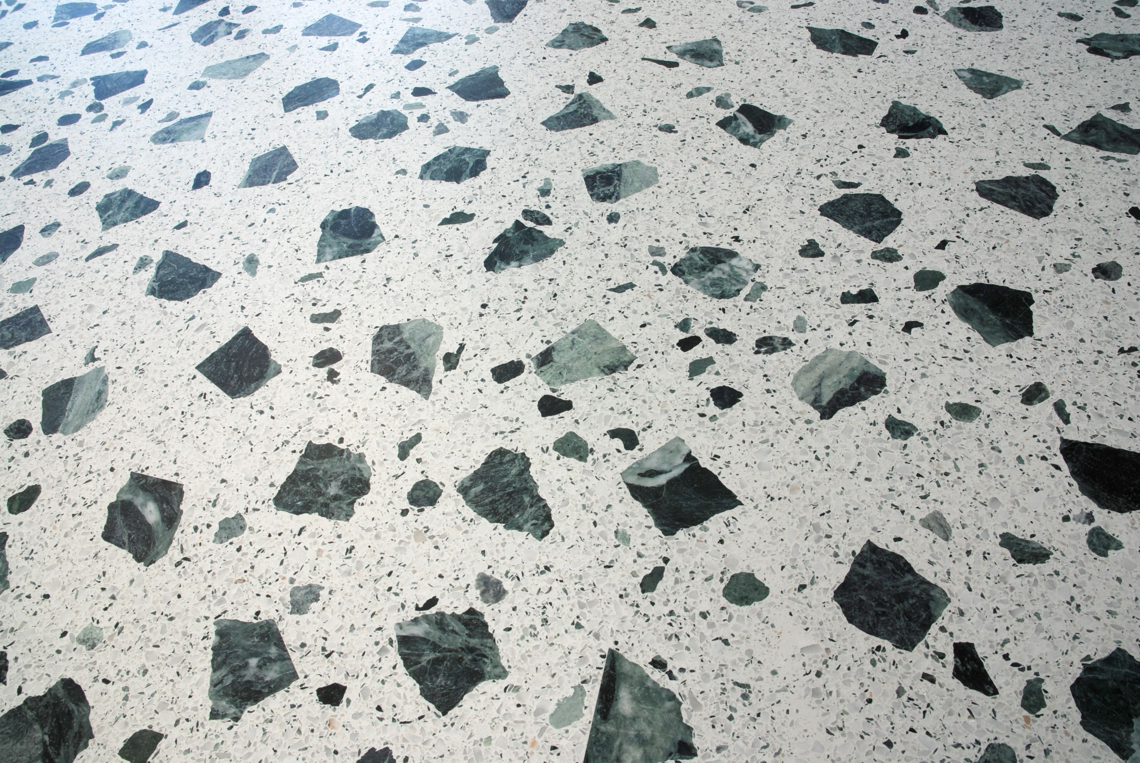 Pavimento In Terrazzo Alla Veneziana terrazzo alla veneziana in bianco carrara e verde alpi (с