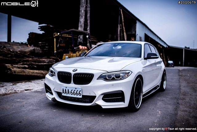 Bmw 1 Series F20 With The 2 Series Front Looks Awesome Bmw Bmw